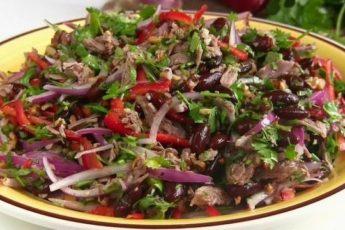 Безумно вкусный салат «Тбилиси»! Нравится всем!