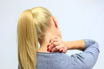 Челюсть и позвоночник неразрывно связаны: если болит спина, нужно лечить зубы! Стоматология — это не только кариес, пломба, деньги.